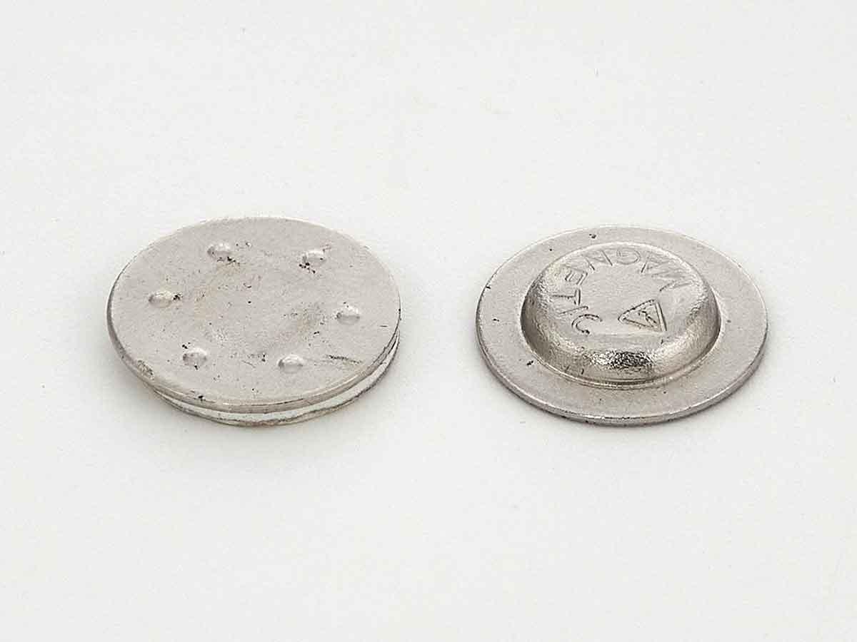Магнитная кнопка для бейджа М17, неодимовая