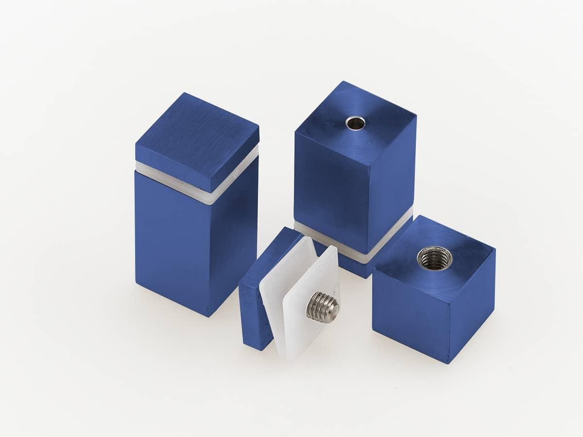 Дистанционный держатель квадратного сечения для стекла