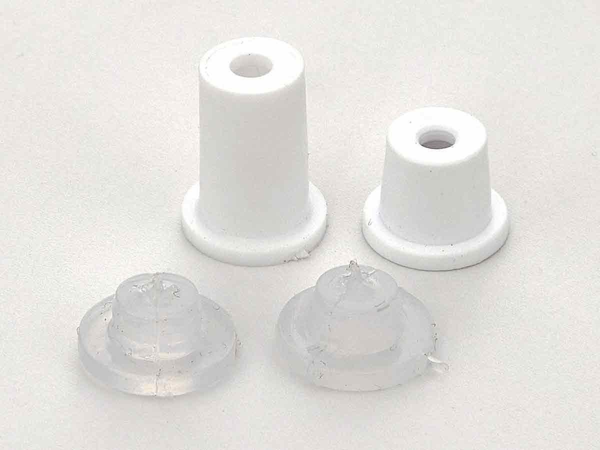 Белые дистанционные держатели из пластика